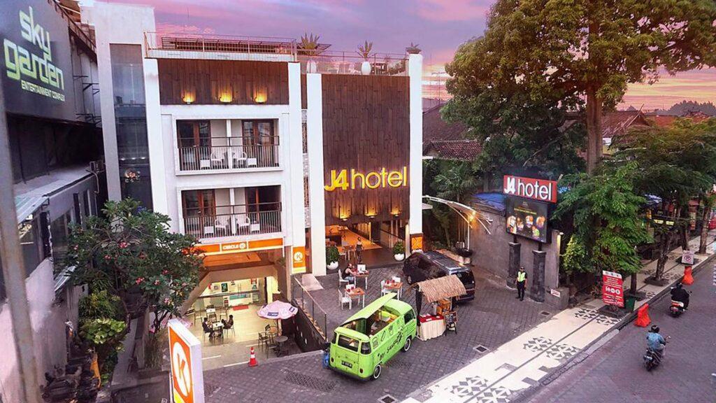 Heigh Bar, j4 Hotel
