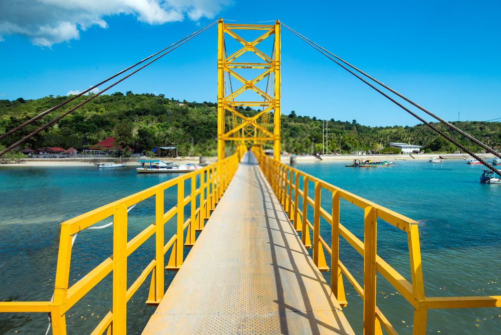 Jembatan Kuning Nusa Lembongan Bali