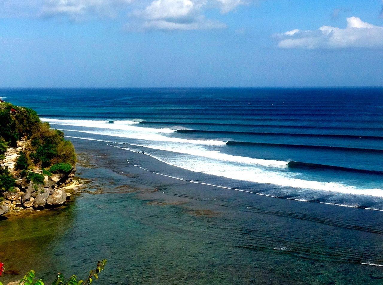 Spot Tempat Surfing di Pantai Impossible