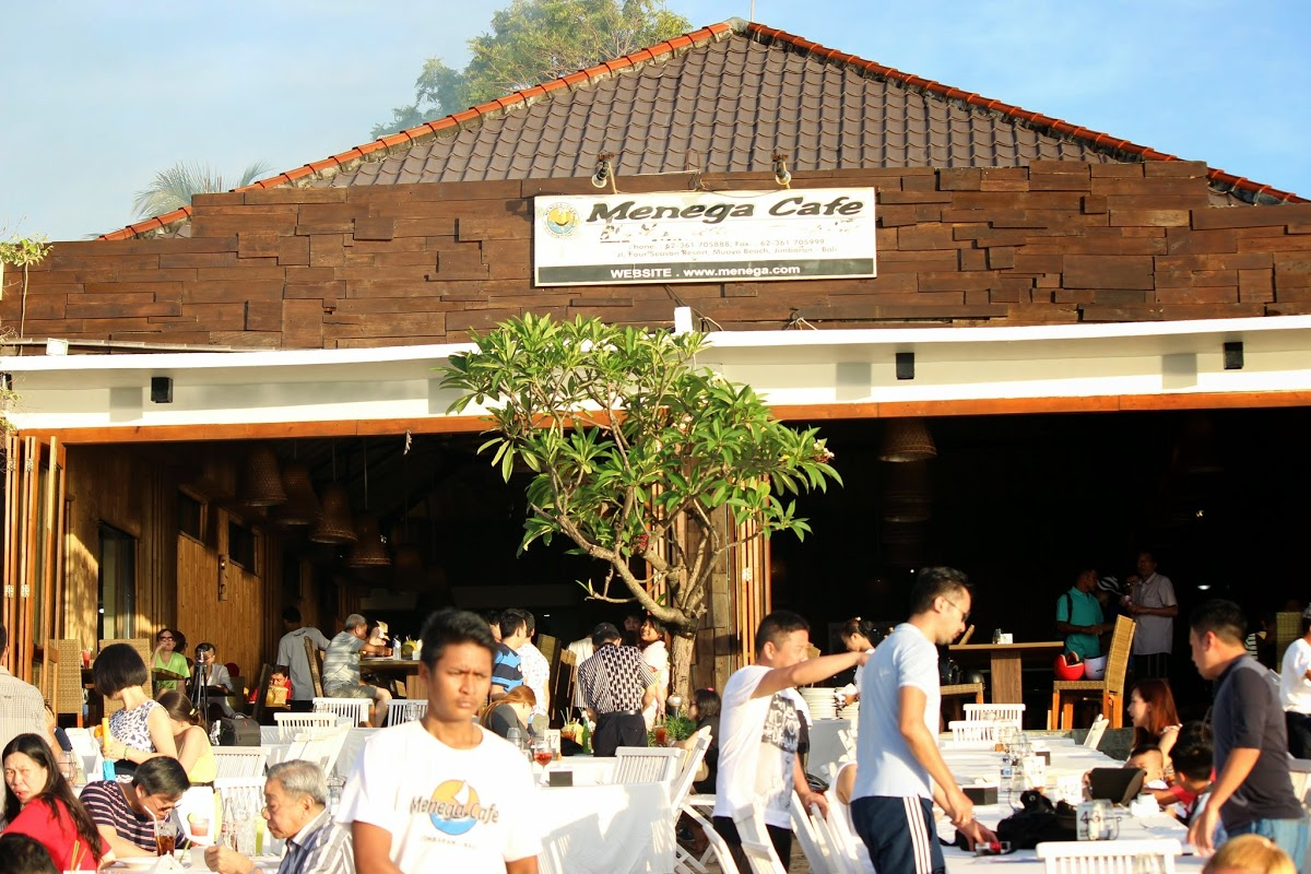 Tempat Makan di Menega Cafe Jimbaran Bali