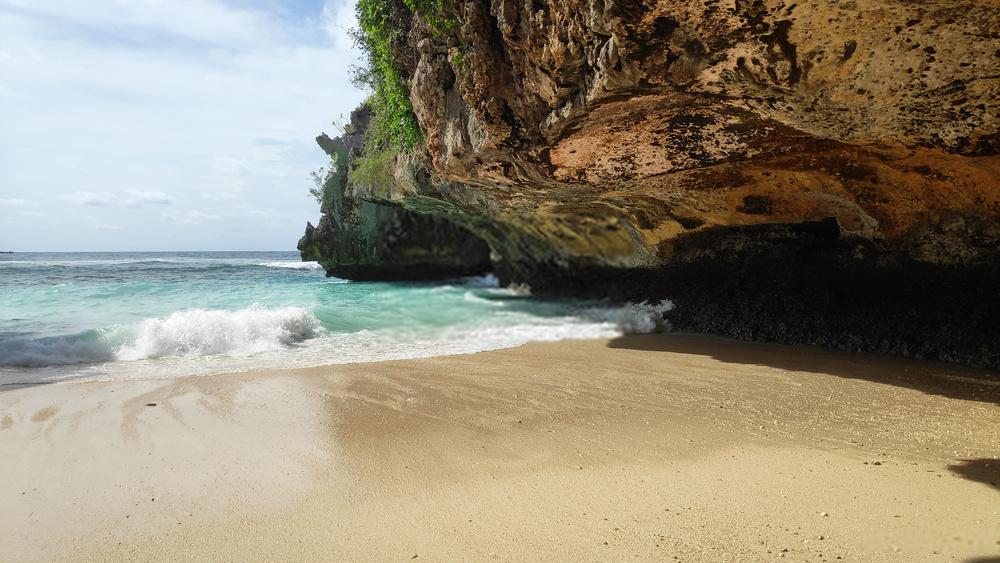 Tempa Wisata Murah di Bali: Pantai Suluban