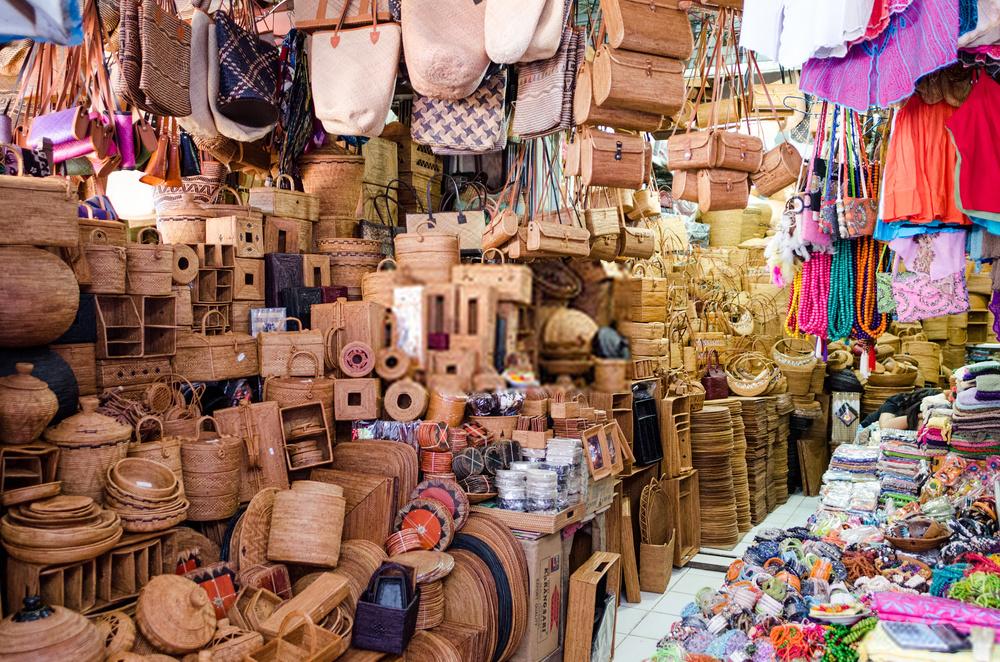 Objek Wisata Belanja Oleh Oleh Di Pasar Seni Sukawati
